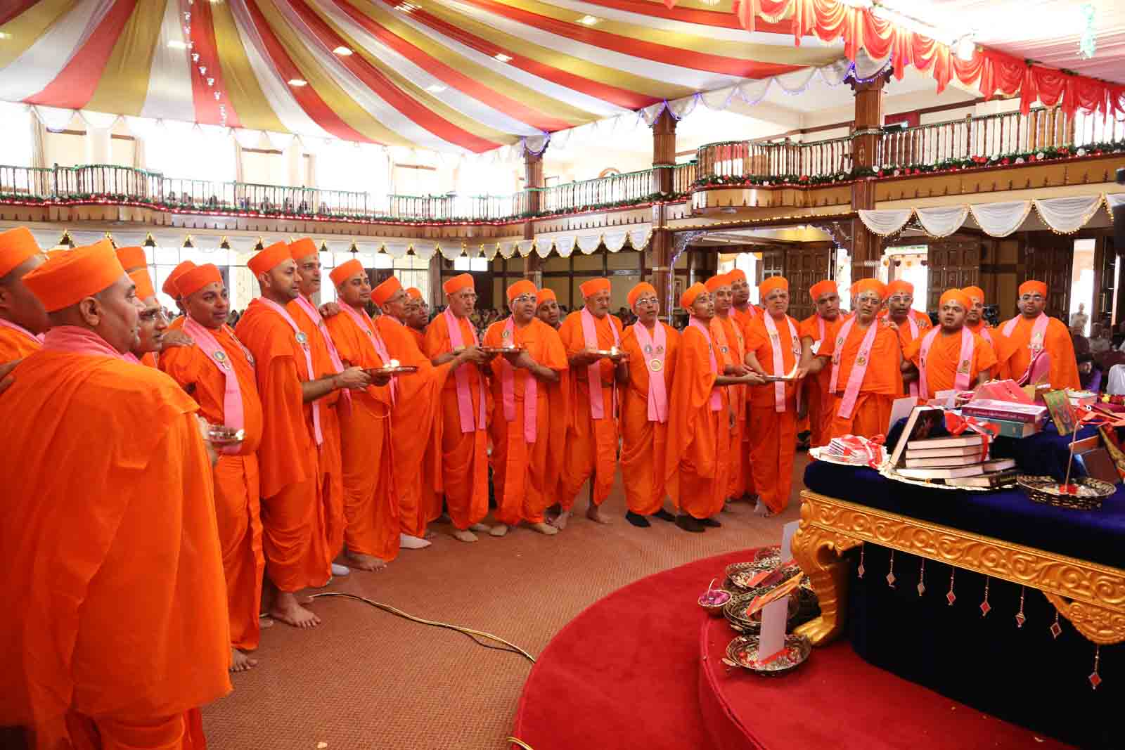 Fifty two sants perform aarti