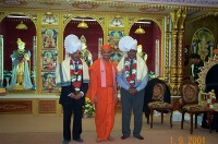 HDH Acharya Swamishree, Lord Dholakia and Councillor Patel