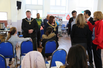 The Mayor encourages local residents and disciples to donate blood