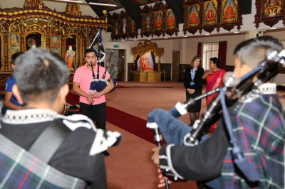 Disciples of Shree Muktajeevan Swamibapa Pipe Band Bolton perform