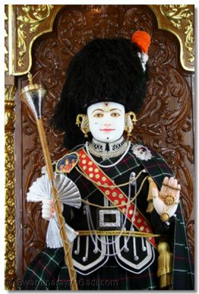 Ghanshyam Maharaj looking exceptionally divine in the band uniform