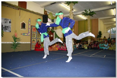 Two brothers dancing a duet in the Nrutya show.