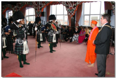 Shree Swaminarayan Gadi Pipe Band perform to welcome the Mayor of Bolton