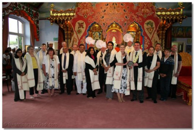 Many honoured guests were presented with prasad Paag and Shawls at Shree Swaminayan Temple Bolton