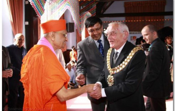 First Hindu Temple in England to Receive Prestigious Award