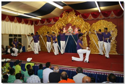 Young disciples dance to please Lord Swaminarayanbapa Swamibapa