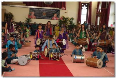 Dhol Fusion playing