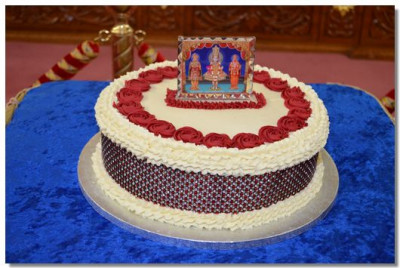 Cake prepared by devotees to be offred to Lord Swaminarayan