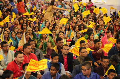 Hundreds of disciples fill Shree Swaminarayan Mandir Bolton's hall to capacity