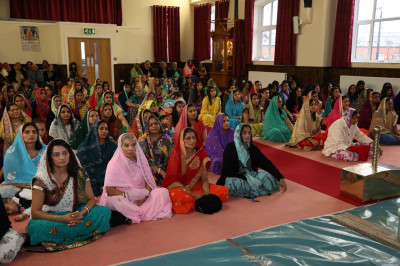 Hundreds of disciples gather to celebrate Gurupurnima at Shree Swaminarayan Mandir Bolton