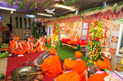 Sants play various traditional insturments and sing devotional songs to please the Lord