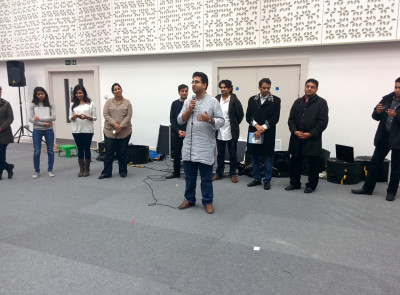 Manoj Ladwa addresses all performers and is very impressed by the sheer numbers of young disciples as well as ladies taking part in the performances