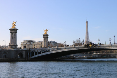 One of the many famous monuments around Paris