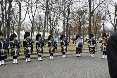 Shree Muktajeevan Swamibapa Pipe Band perform in La Grande Parade de Paris