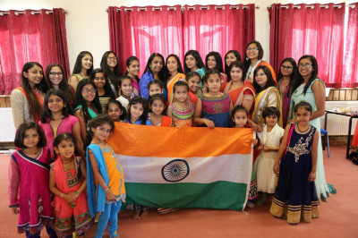 Young disciples who took part in the performance with the Indian flag