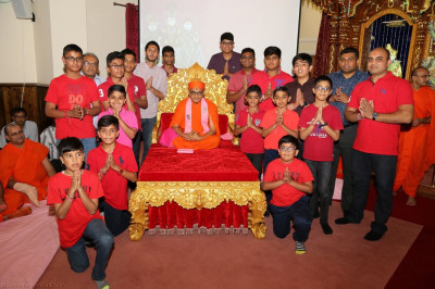 His Divine Holiness Acharya Swamishree blesses all young disciples and organisers who took part