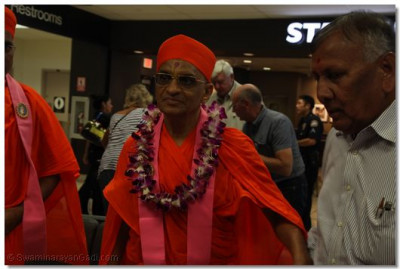 His Divine Holiness Acharya Swamishree together with Sants and Disciples Arrives at LAX Airport
