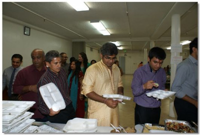 Prasad was offered to all the devotees at the end of Diwali Celebration