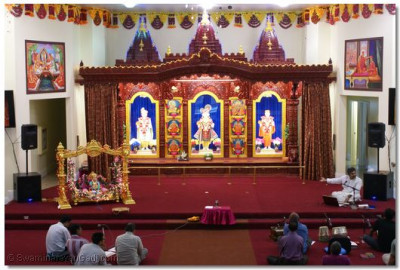 Grand Sinhasan at Los Angeles Mandir