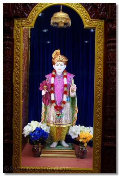 Divine darshan of Jeevanpran Shree Abjibapashree