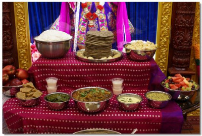 Delicious delicacies offered to Lord Shree Swaminarayan
