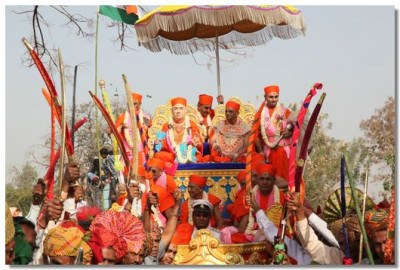 Disciples of Panchmahal dance during the procession