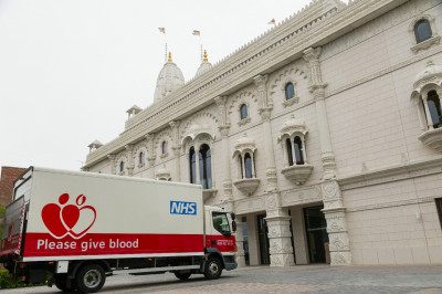 The NHS truck arrives early on Sunday morning outside Shree Swaminarayan Mandir Kingsbury