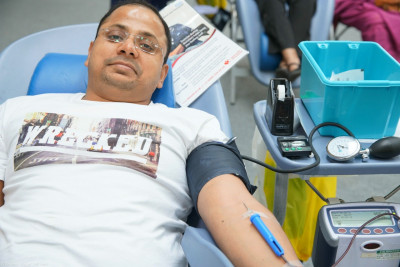 Disciples and local residents donate blood