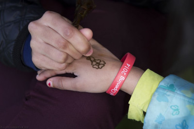 Talented youngsters from Shree Swaminarayan Mandir Kingsbury create intricate designs using Mehndi (Henna)