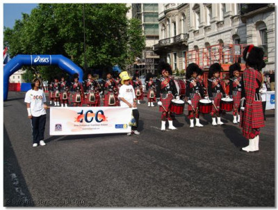 Shree Muktajeevan Pipe Band await the signal to start the 10k run