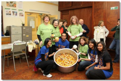 Volunteers from Alyth and Shree Swaminarayan Temple prepare food