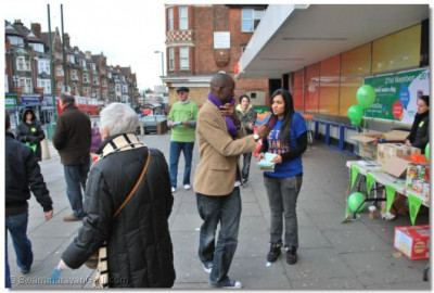Volunteers outside Sainsbury's in Golders Green collect for Mitzvah Day and NSD