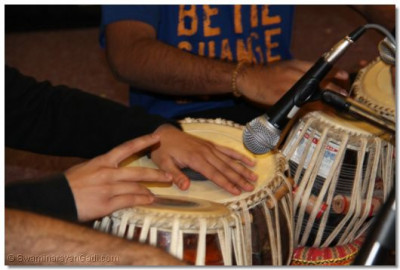 A tabla performance at Lady Sarah Cohen House