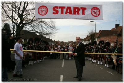 The Worshipful The Mayor of Barnet Brian Coleman cuts the ribbon to commence proceedings