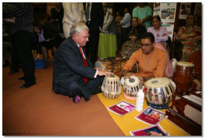 The Deputy Mayor trys out a tabla