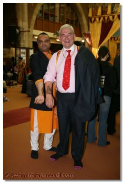 Deputy Mayor and Prem Patel shows their mehndi