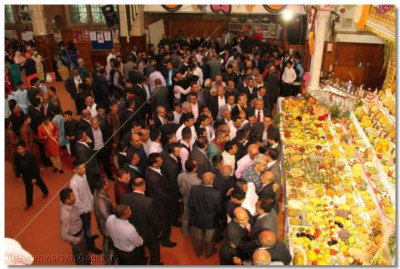 Hundreds of disciples gather at Shree Swaminarayan Temple Golders Green for the divine darshan of Lord Shree Swaminarayanbapa Swamibapa and the Annkut on the auspicious New Year's day