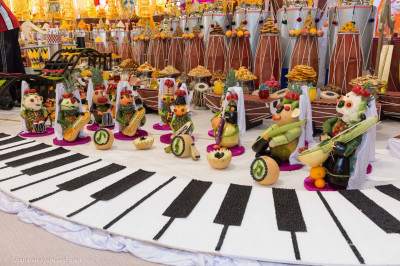Fruits and vegetables shaped into musical instruments