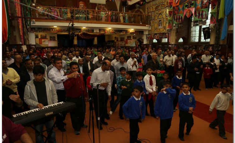 24-hour Akhand Dhoon in London