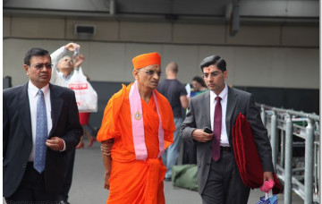 His Divine Holiness Acharya Swamishree Arrives in London