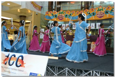 Young disciples of Shree Mukatjeevan Art & Culture Academy of Shree Swaminarayan Temple London performed a classical dandia dance