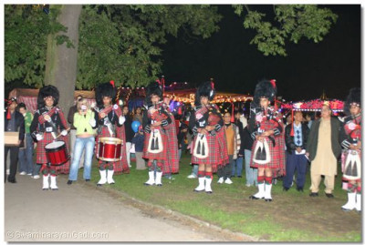 The parade ended in Barham Park where the band concluded its performance with a salute to Lord Swaminarayanbapa Swamibapa