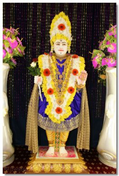 Divine darshan of Shree Ghanshyam Maharaj