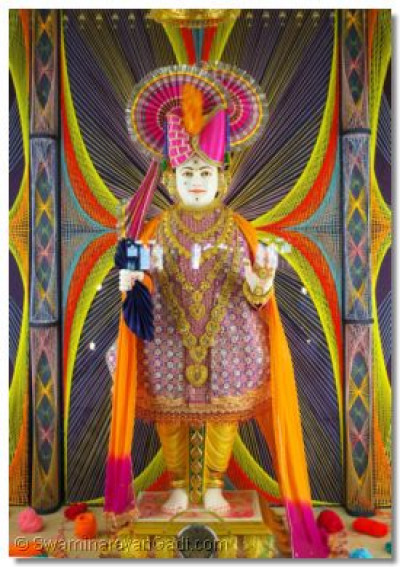 Divine darshan of Lord Swaminarayan at Shree Swaminarayan Temple London