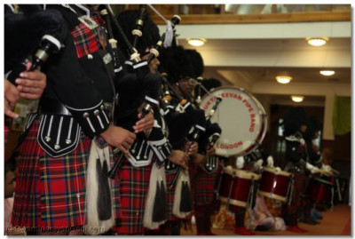 Shree Muktajeevan Pipe Band in performance