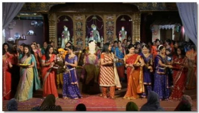 The 'finale' was choreographed to the kirtan 'Swagatam'