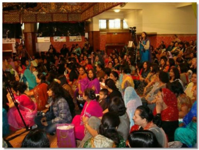 The audience being entertained by the afternoon performances