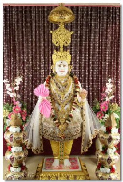 Divine darshan of Lord Shree Swaminarayan at Shree Swaminarayan Temple London