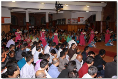 Hundreds of disciples gather at Shree Swaminarayan Temple London to watch the performances
