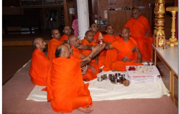 Father's Day and Acharya Swamishree's 69th Birthday Celebrations